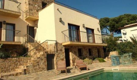 Популярные виды жилой недвижимости в Испании