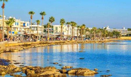 Наполненный солнцем Кипр с нетерпением ждет вас